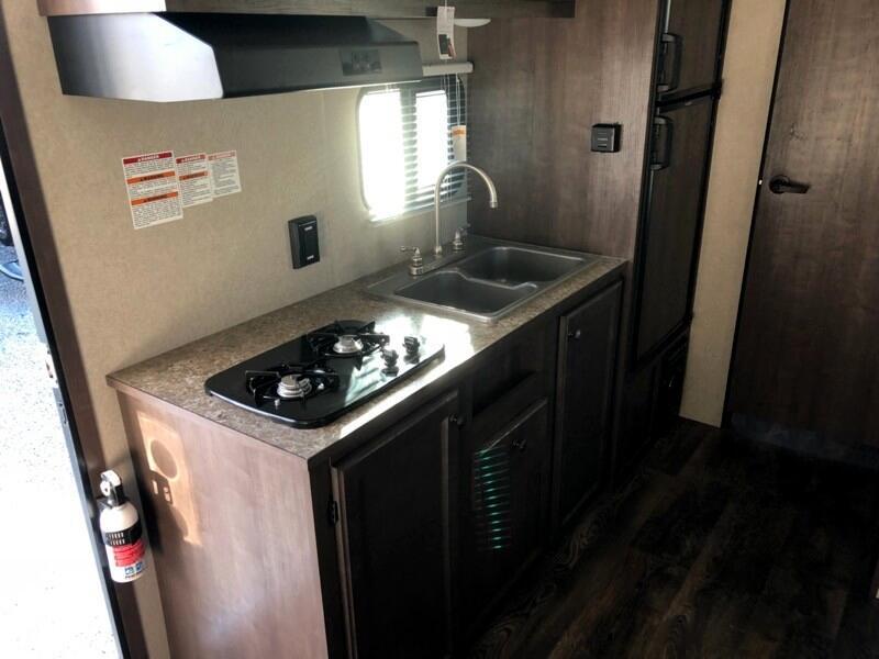 2020 Sunset Park RV SunLite Travel Trailer 21BHS