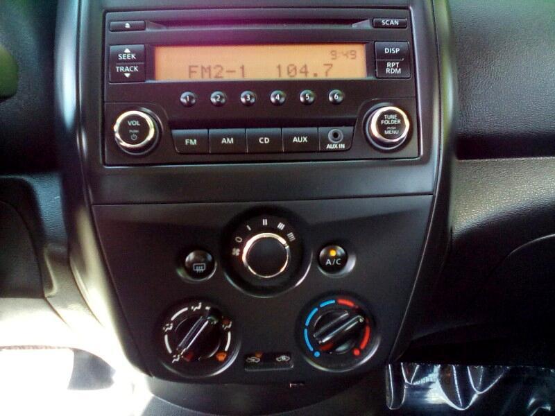 Nissan Versa 1.6 S 5M 2016