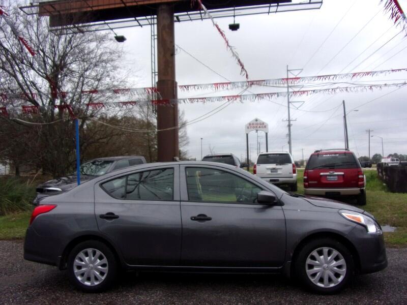 Nissan Versa 1.6 S 5M 2017