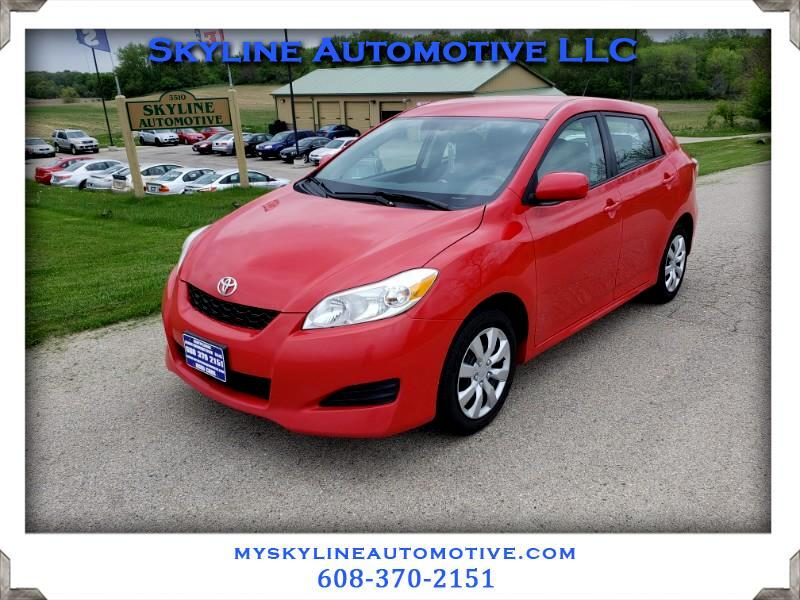 Toyota Matrix Base 5-Speed MT 2010