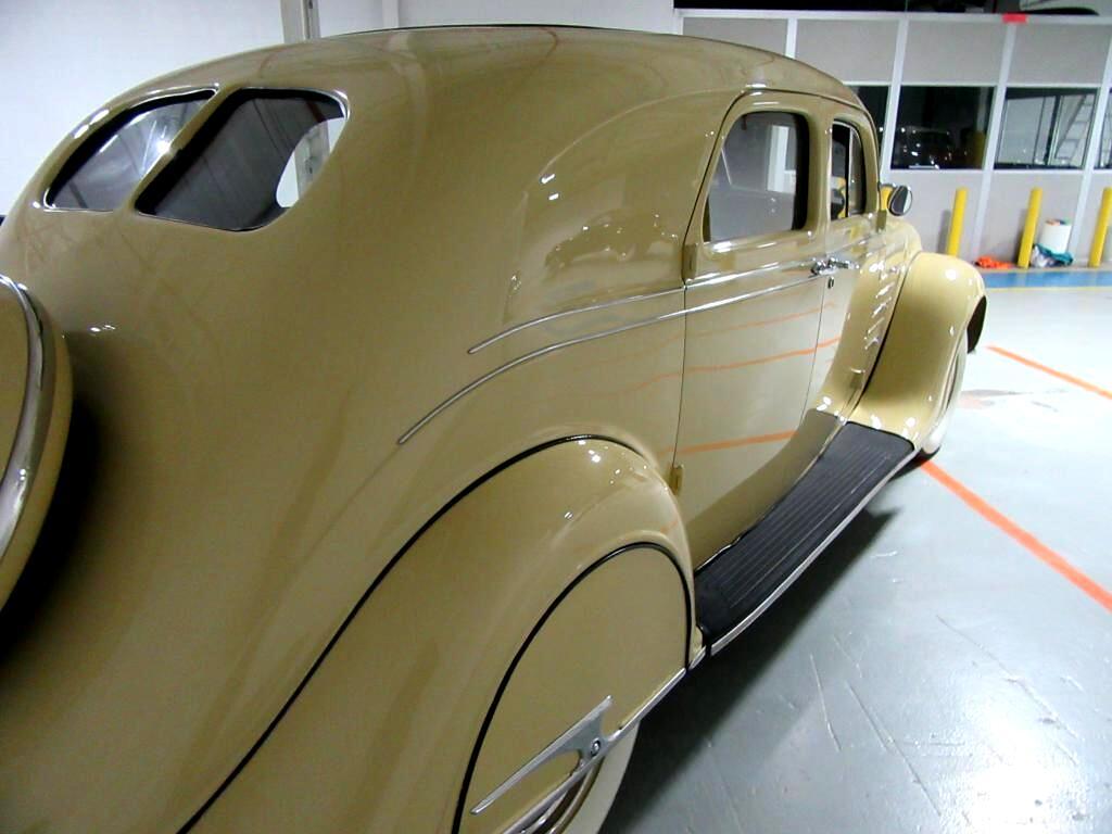 Chrysler Airflow  1934