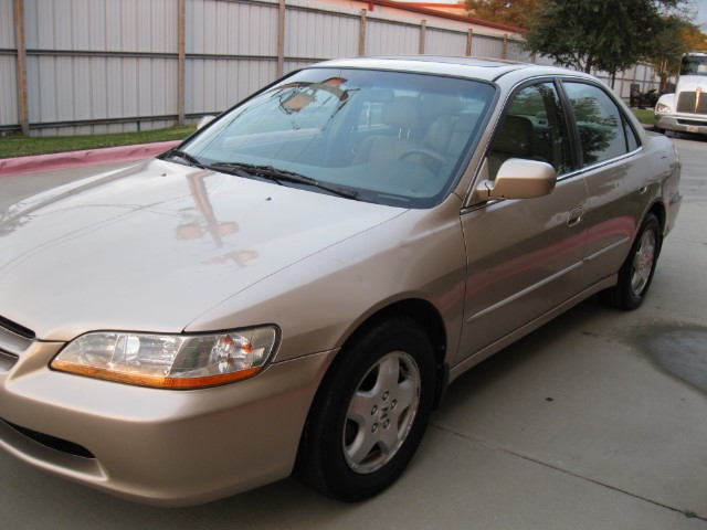 Honda Accord EX V6 sedan 2000