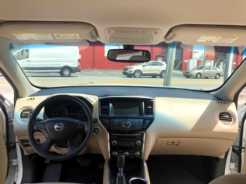 Nissan Pathfinder FWD Platinum 2017