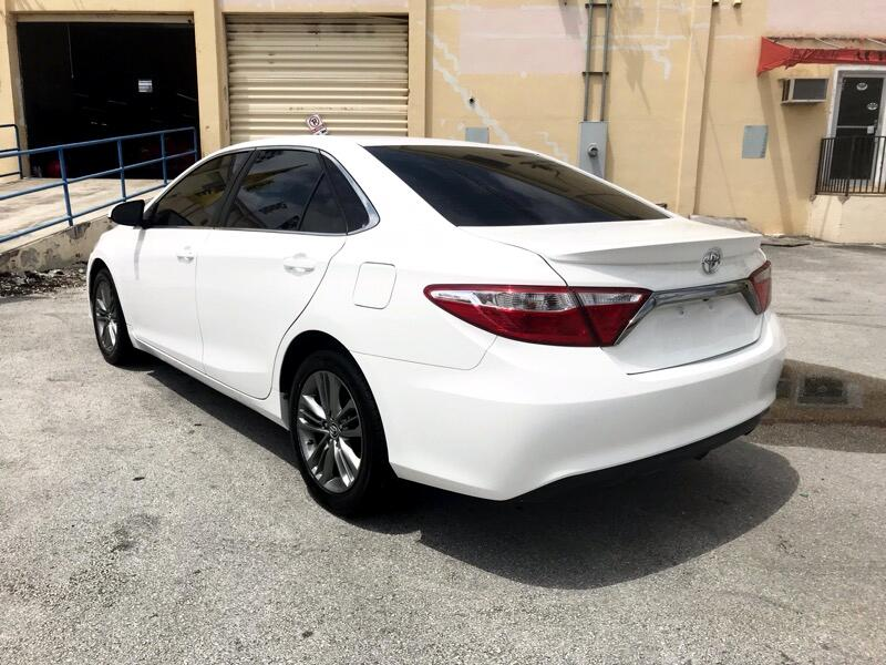 Toyota Camry 4dr Sdn I4 Auto XLE (Natl) 2015