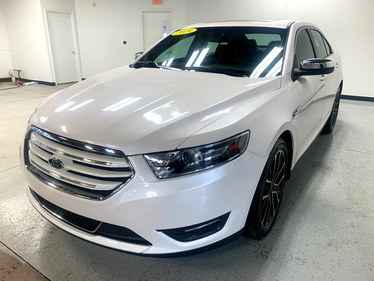 Ford Taurus Limited AWD 2019