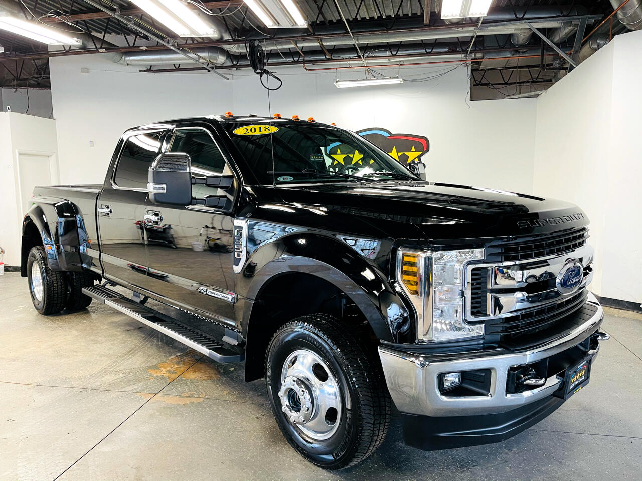 Ford F-350 SD XLT Crew Cab Long Bed DRW 4WD 2018
