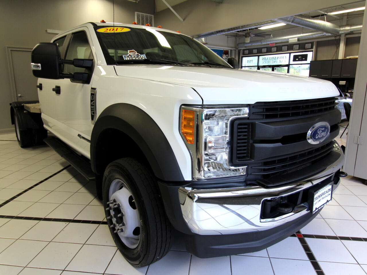 "2017 Ford Super Duty F-450 DRW XL 4WD Crew Cab 203"" WB 84"" CA"