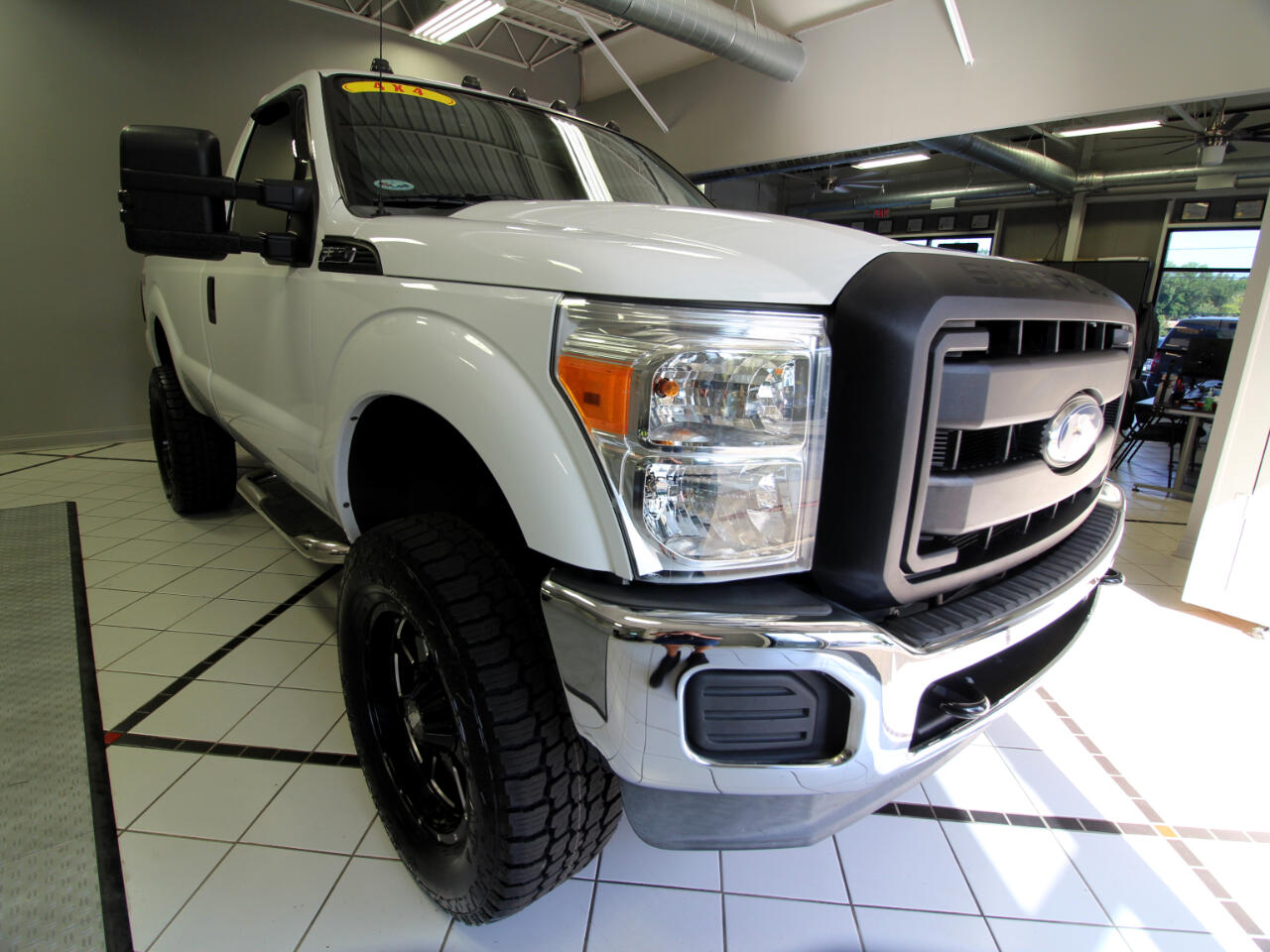 2012 Ford Super Duty F-350 SRW 4WD Reg Cab 137