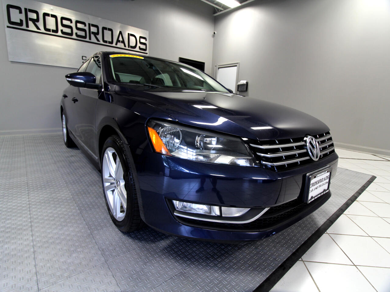 2012 Volkswagen Passat 4dr Sdn 2.0L DSG TDI SEL Premium