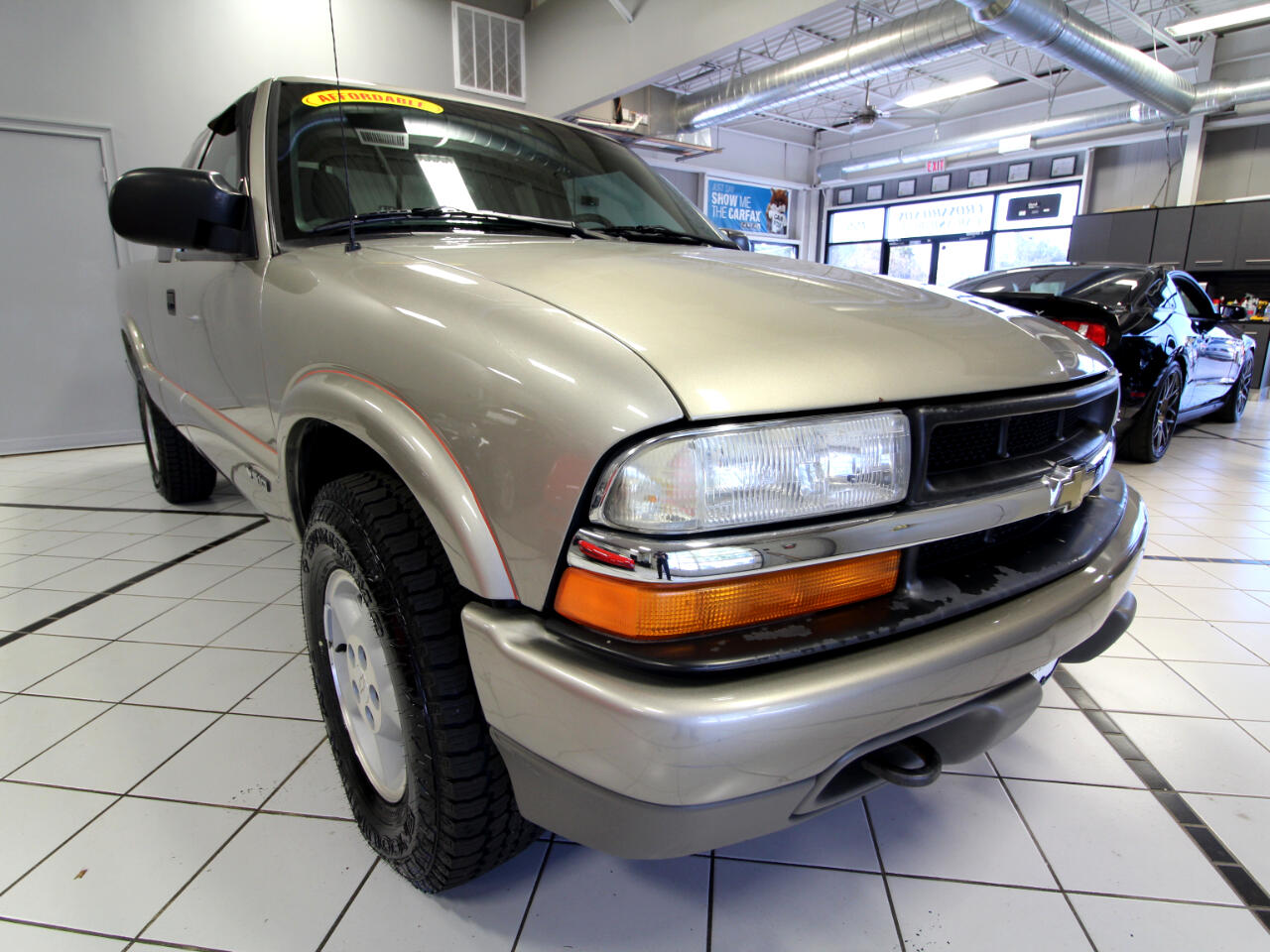 "2001 Chevrolet S-10 Ext Cab 123"" WB 4WD LS"