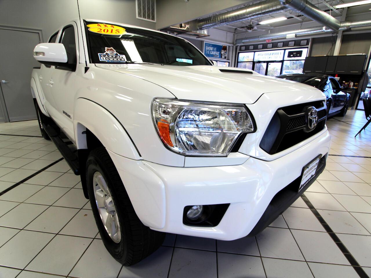 Toyota Tacoma 4WD Double Cab V6 AT (Natl) 2015