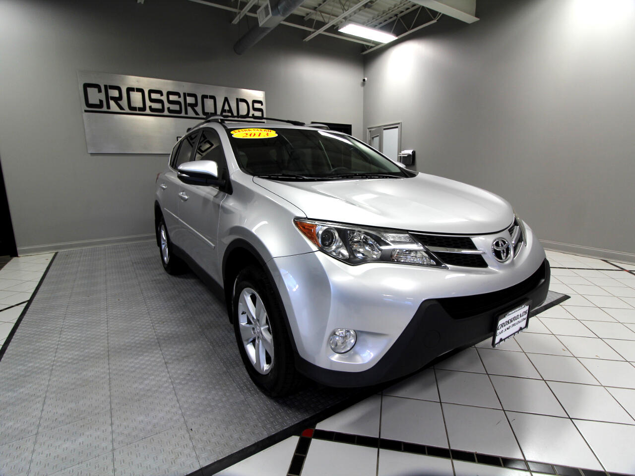 Toyota RAV4 FWD 4dr XLE (Natl) 2013