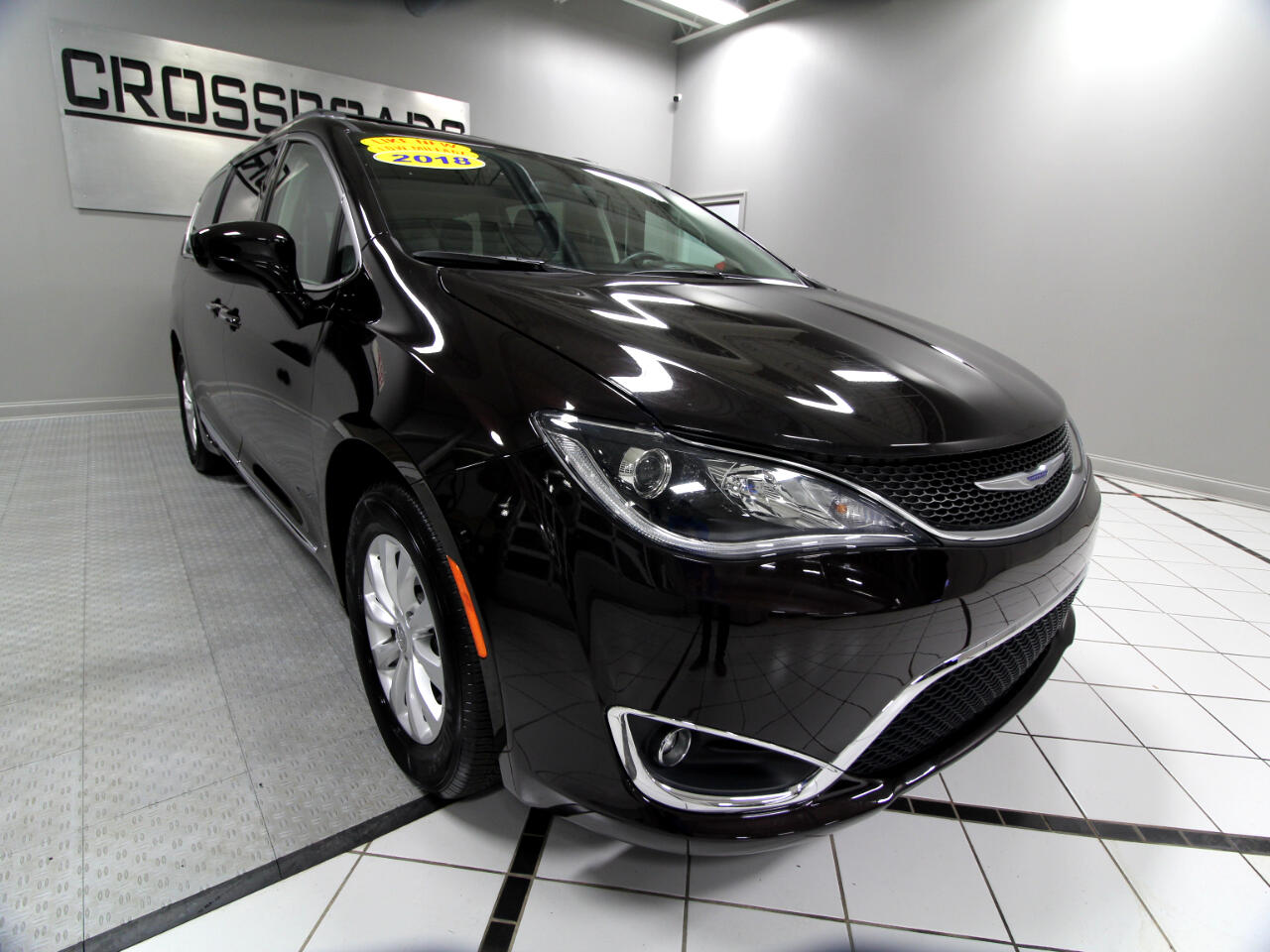 Chrysler Pacifica Touring L FWD 2018