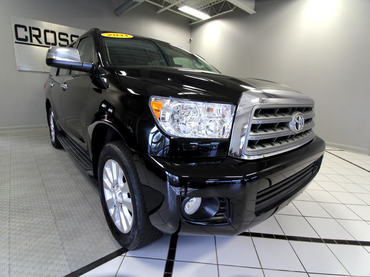 Toyota Sequoia 4WD 5.7L Platinum (Natl) 2011