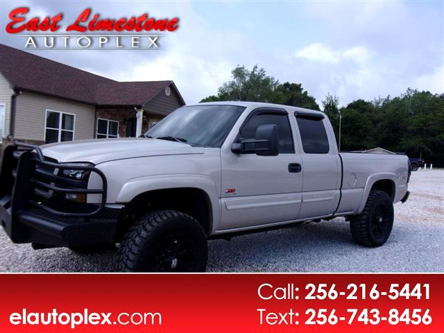 2004 Chevrolet Silverado 2500 Ext. Cab Long Bed 4WD