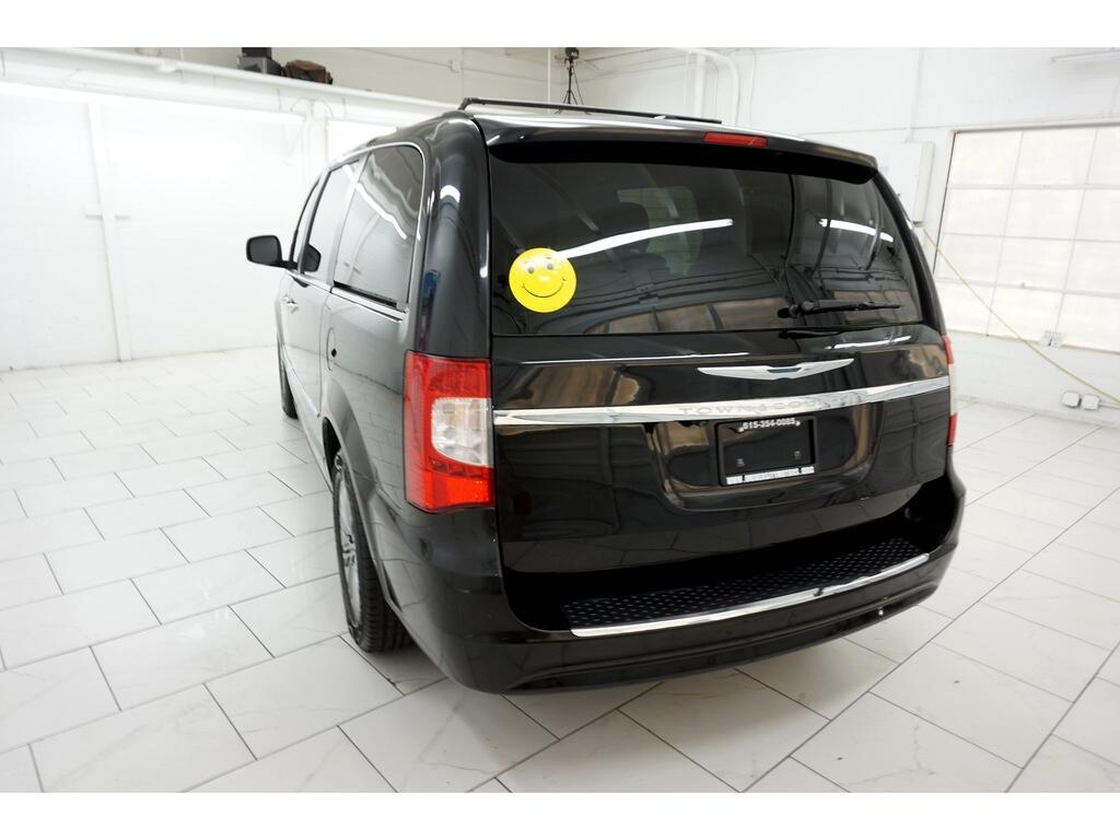 Chrysler Town & Country 4dr Wgn Touring-L 2013