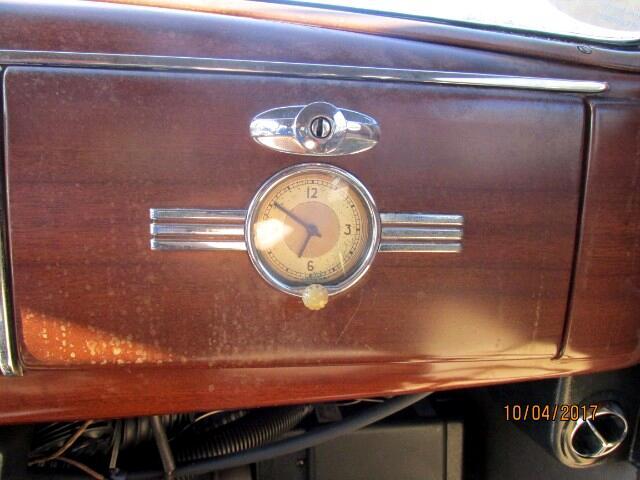 Ford LTD 4-Door 1939