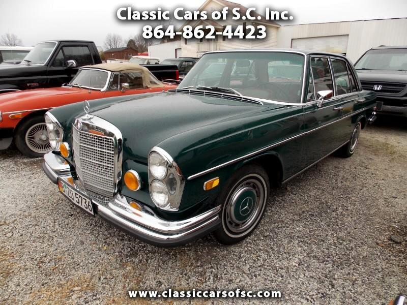 1972 Mercedes-Benz 280 SE 4 Door