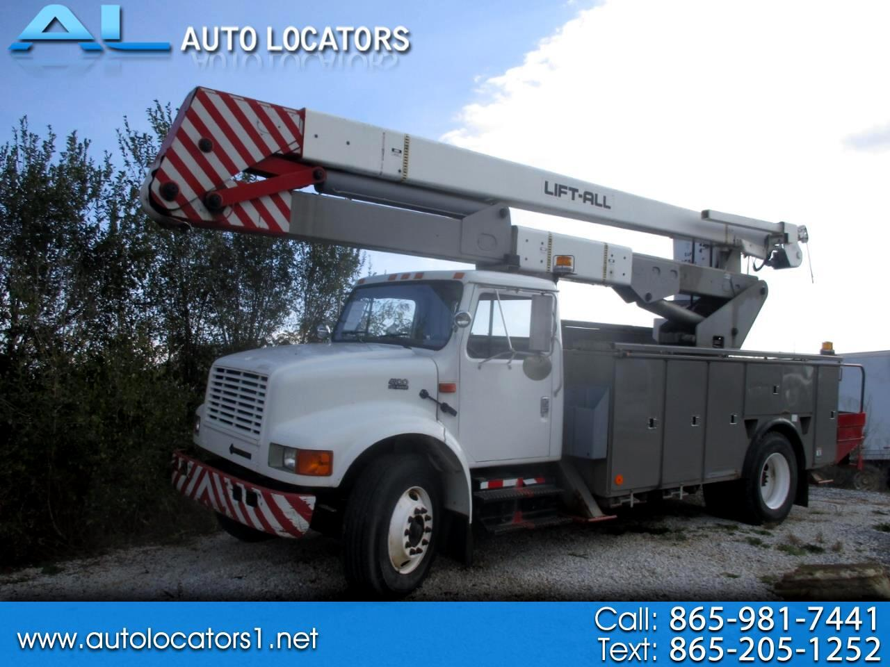 International 4900 DT466E 2002