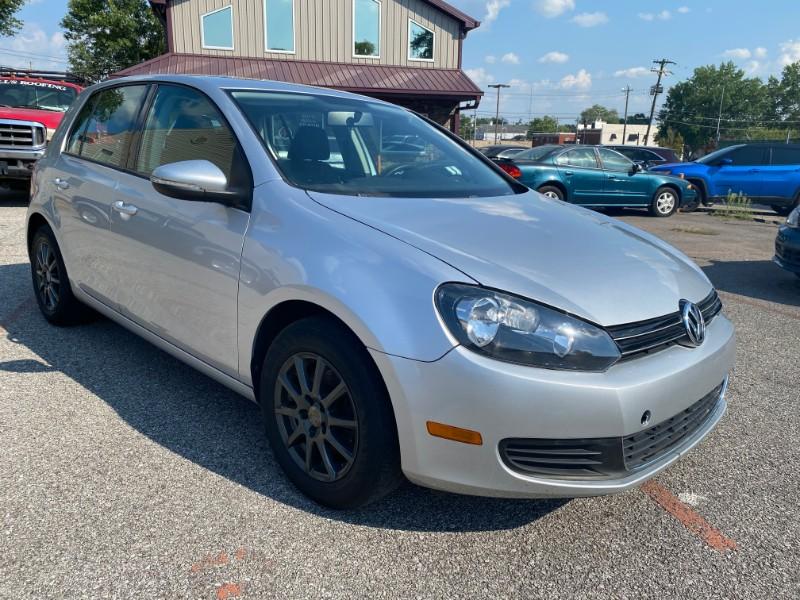 Volkswagen Golf 2.5L 4-Door 2011