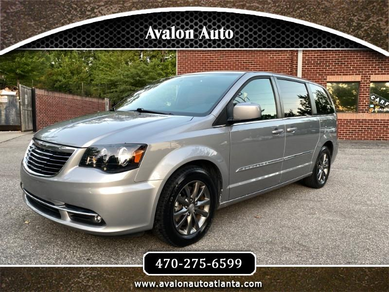Chrysler Town & Country S 2016