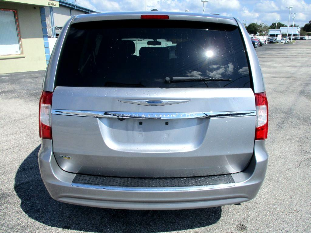 Chrysler Town & Country 4dr Wgn Touring 2016