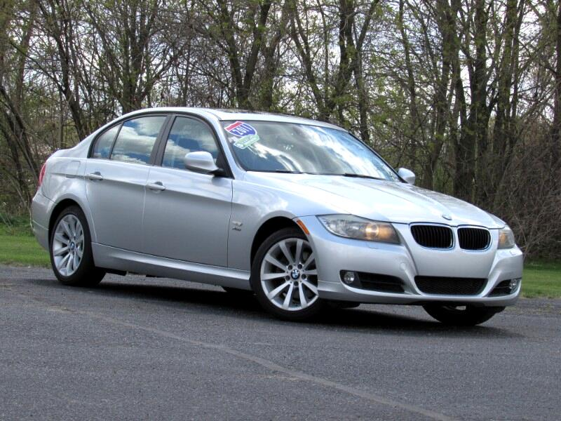 BMW 3-Series 328i xDrive 2011
