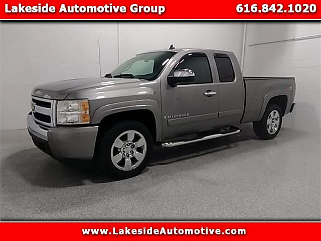 2008 Chevrolet Silverado 1500 LT2 Ext. Cab Long Box 4WD