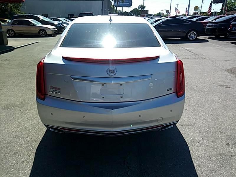 2013 Cadillac XTS 4dr Sdn Platinum FWD