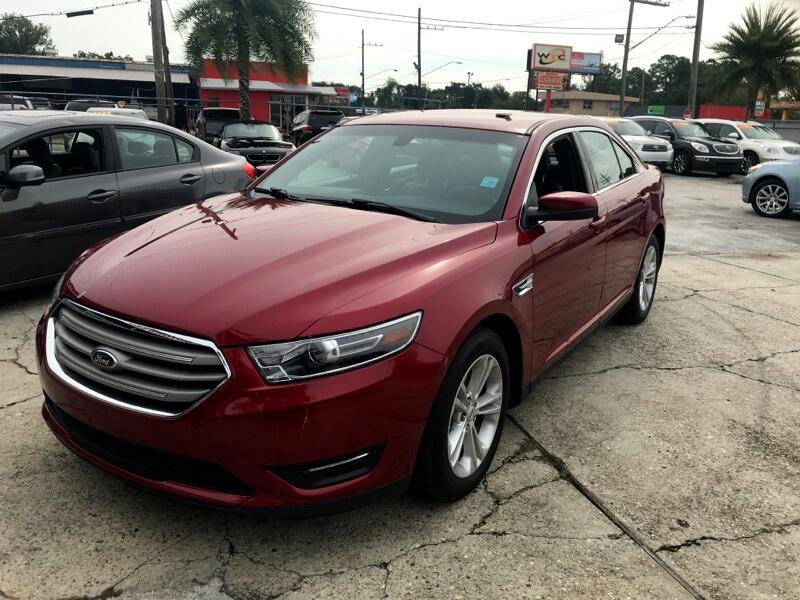 2017 Ford Taurus 4dr Sdn SEL