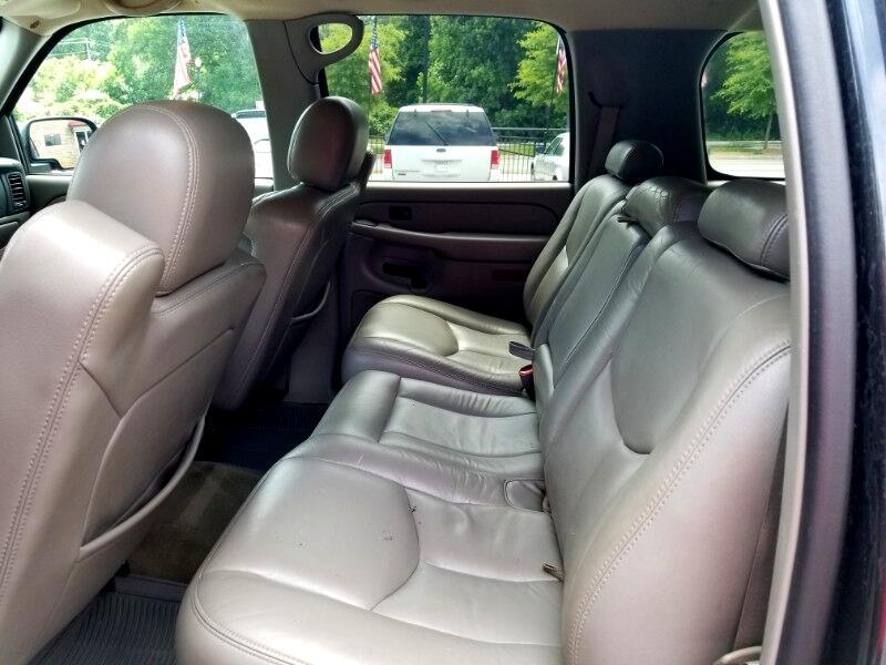 2004 Chevrolet Suburban 1500 2WD