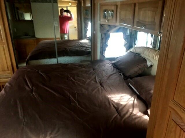 2007 Spartan Motorhome NEWMAR DUTCH STAR W/TAG AXLE