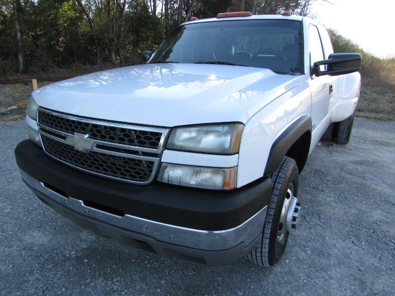 """2005 Chevrolet Silverado 3500 Ext Cab 157.5"""" WB DRW"""
