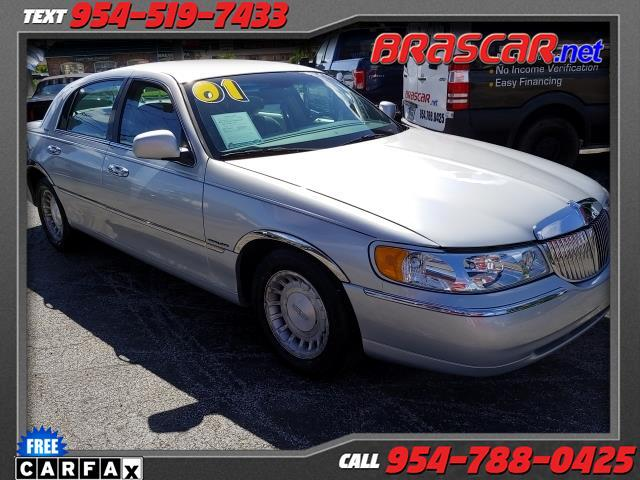 2001 Lincoln Town Car 4dr Sdn Executive
