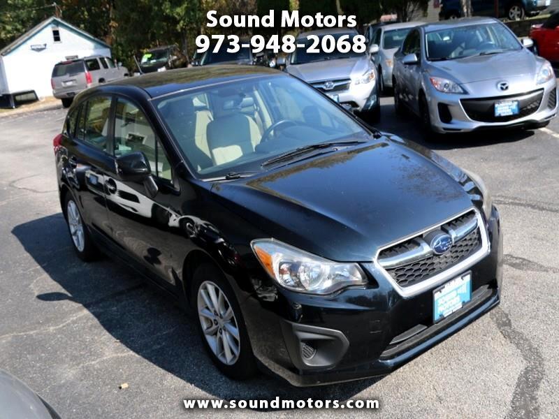 Subaru Impreza Premium 5-Door 2012