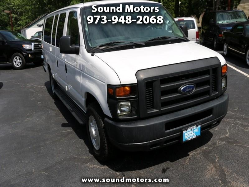 Ford Econoline E-350 XLT Super Duty Extended 2013