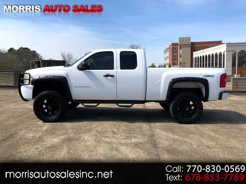 2011 Chevrolet Silverado 1500 Ext. Cab 4-Door Short Bed 4WD