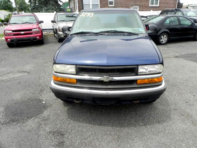 2001 Chevrolet S10 Pickup Ext. Cab 4WD