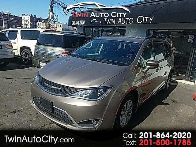 2017 Chrysler Pacifica 4dr Wgn Touring FWD