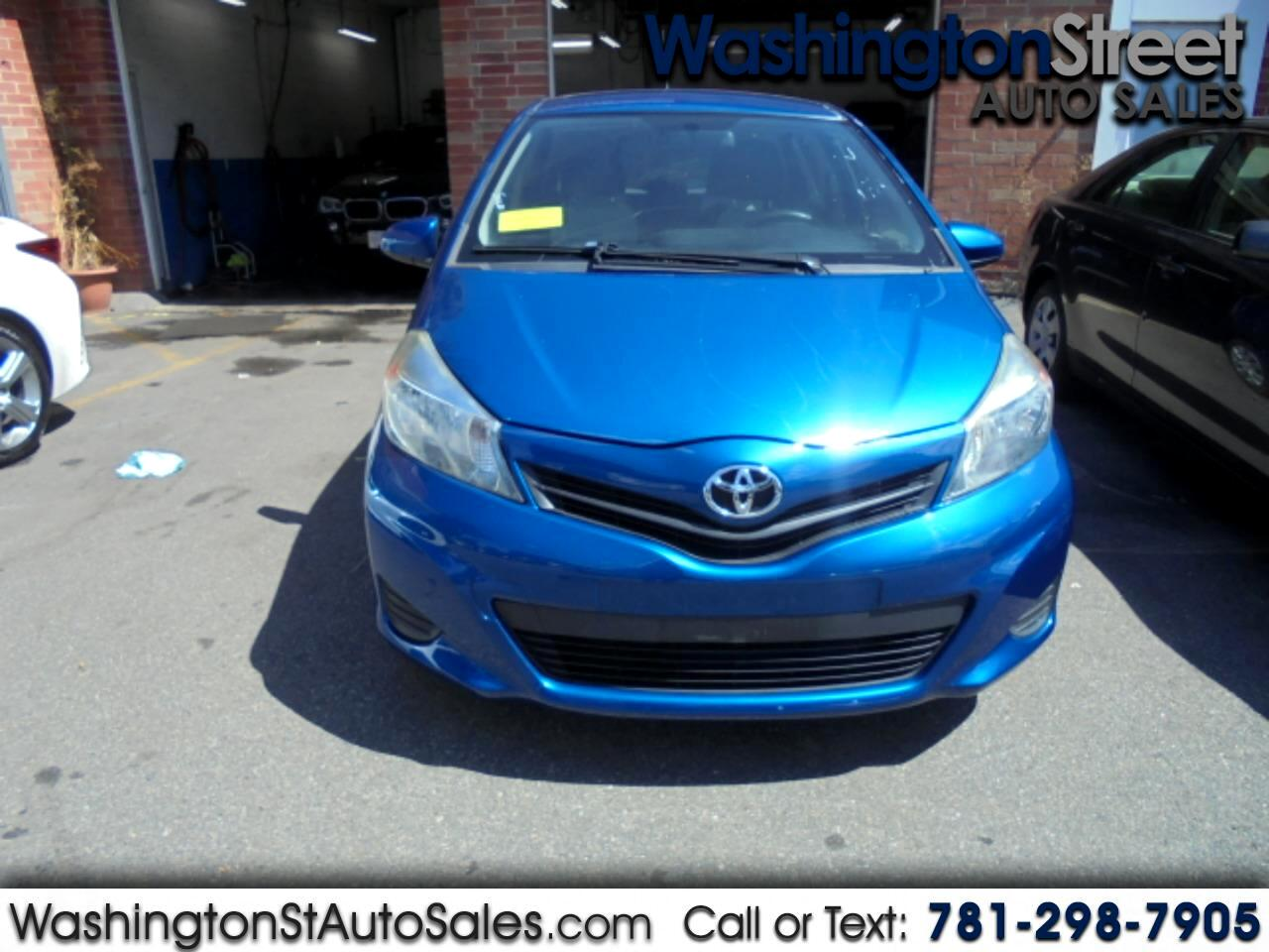 Toyota Yaris SE 5-Door AT 2012