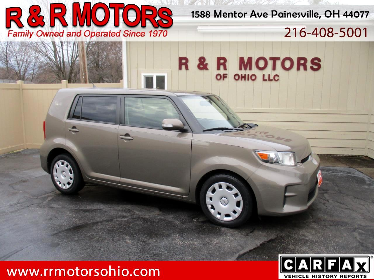 Scion xB 5-Door Wagon 5-Spd MT 2012