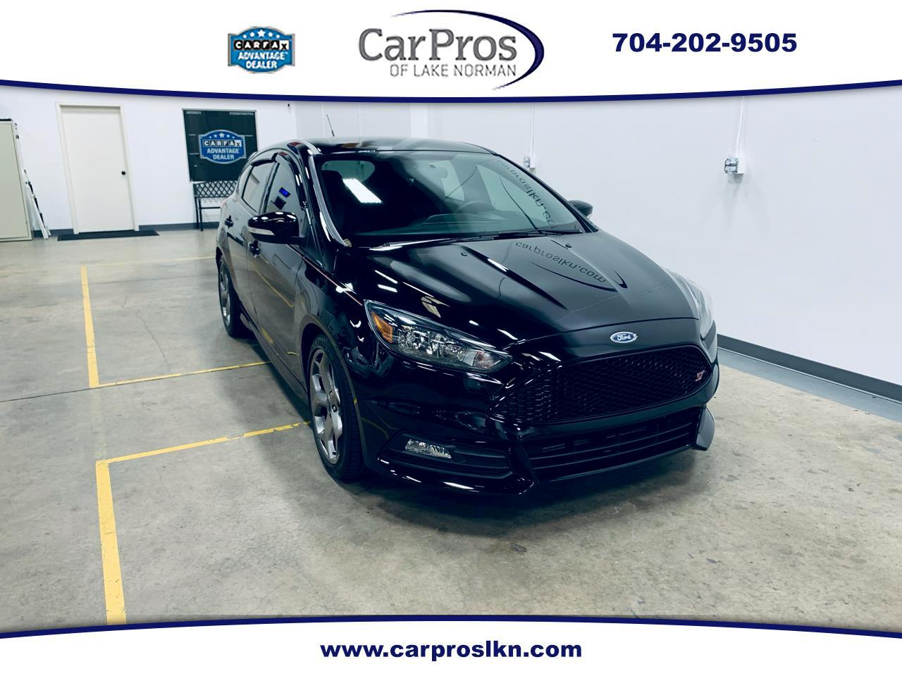2017 Ford Focus ST Hatch
