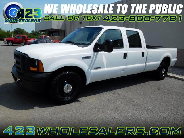2006 Ford F-250 SD XL Crew Cab 2WD