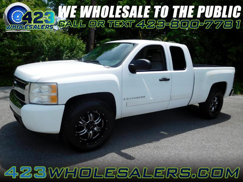 2008 Chevrolet Silverado 1500 LT2 Ext. Cab Long Box 2WD