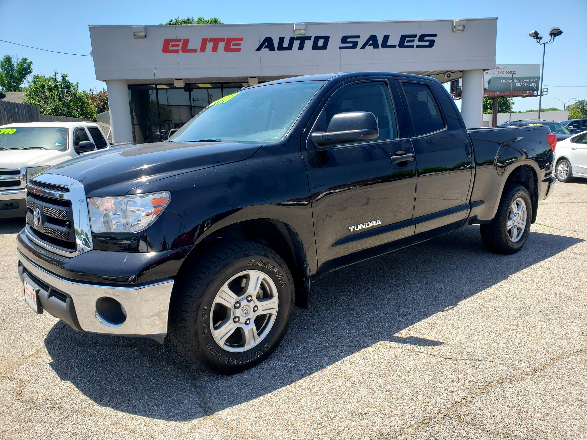 Toyota Tundra 4WD Truck Double Cab 4.6L V8 6-Spd AT (Natl) 2012