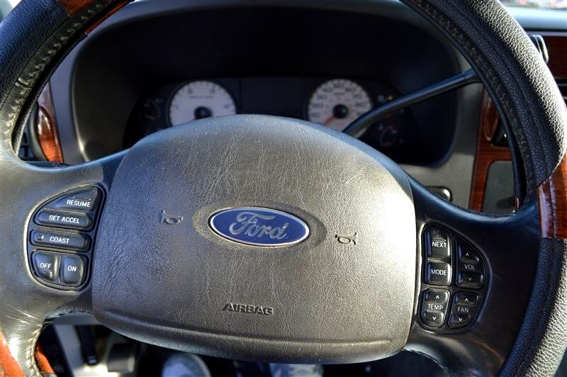 2007 Ford F-350 SD Lariat Crew Cab 2WD