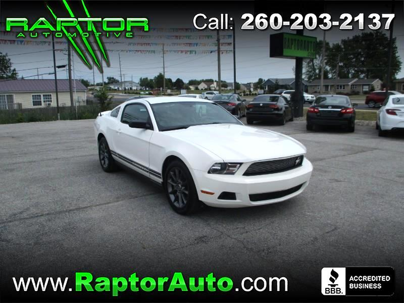 Ford Mustang Premium Coupe 2011