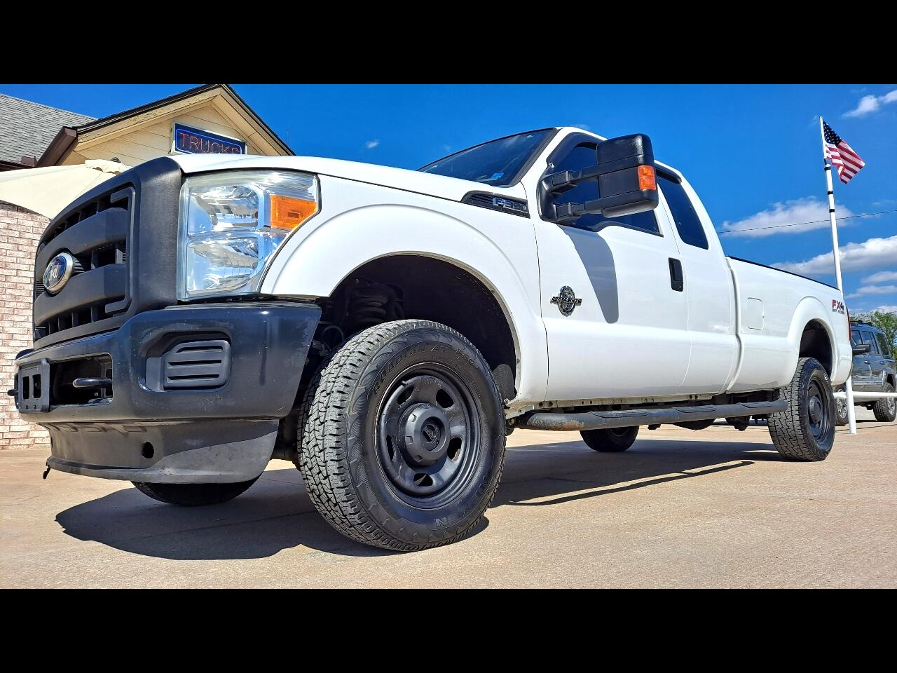 2011 Ford F-350 SD XLT SuperCab Long Bed 4WD