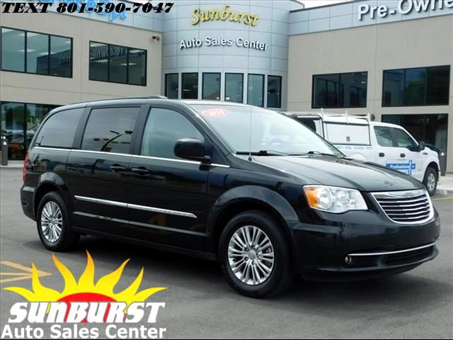 2016 Chrysler Town & Country TOURING L