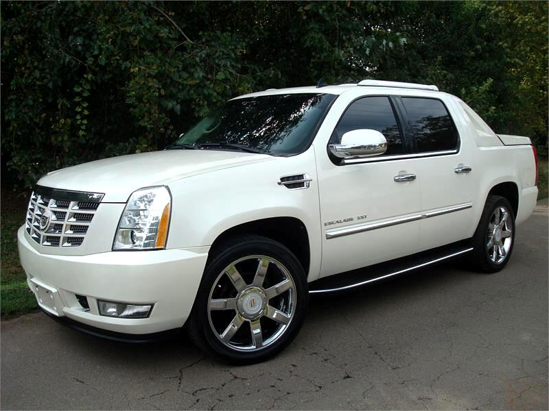Cadillac Escalade EXT AWD 4dr Luxury 2012